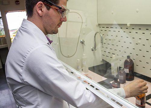 Diplomado en Asistente en Laboratorio Químico Clínico